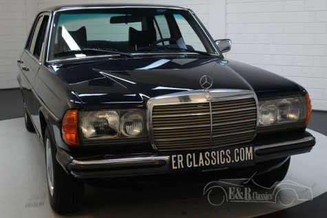 Mercedes-Benz 250 W123 Sedan 1978  a vendre