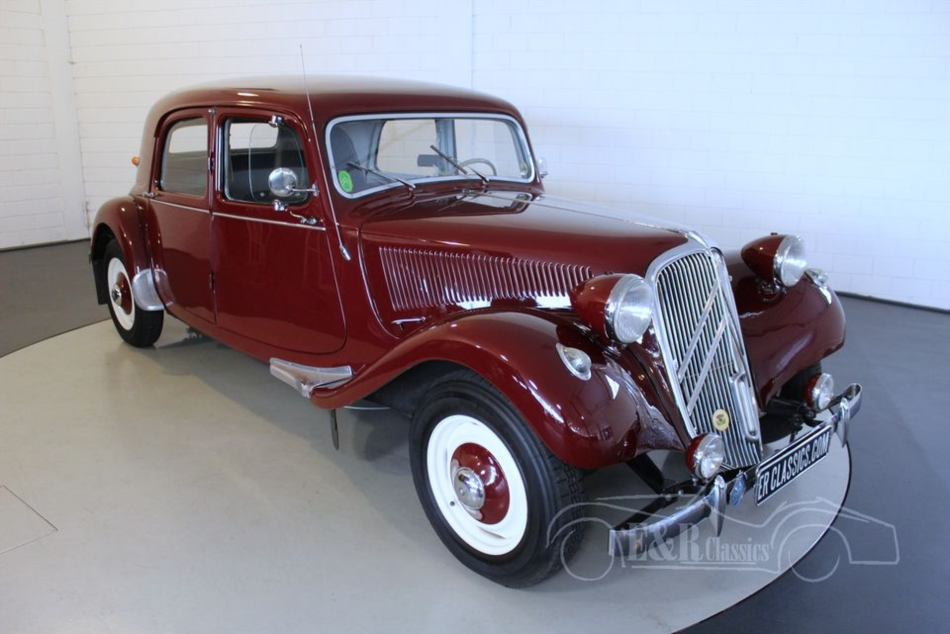 citro n traction avant 11b 1953 vendre erclassics. Black Bedroom Furniture Sets. Home Design Ideas