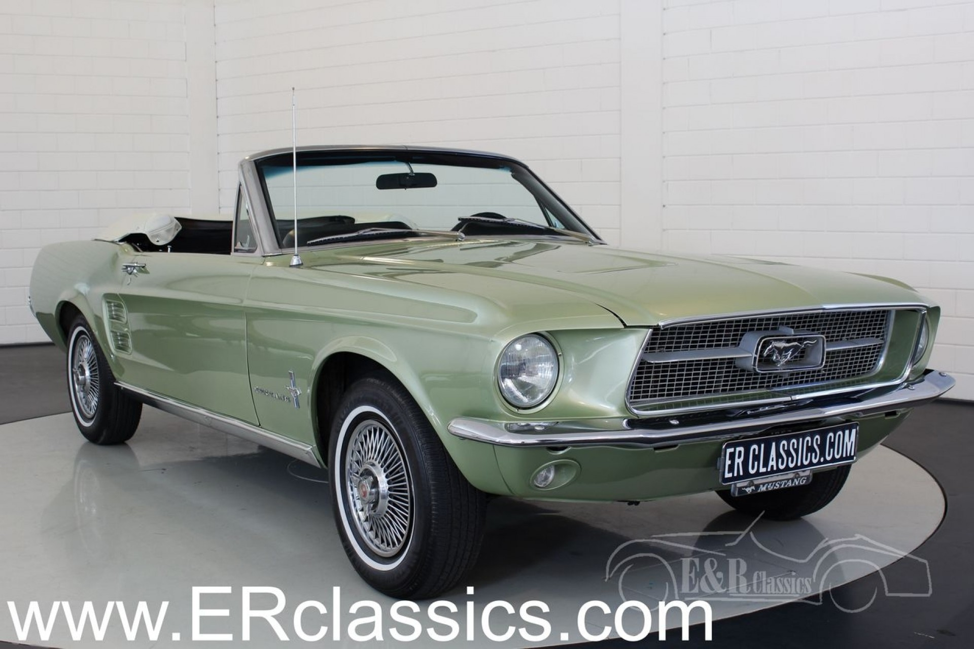 ford mustang cabriolet 1967 vendre erclassics. Black Bedroom Furniture Sets. Home Design Ideas