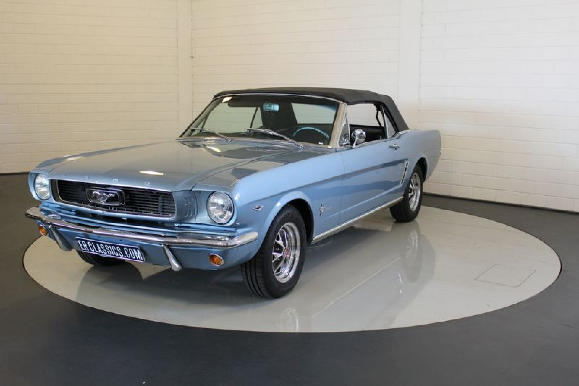 ford mustang convertible 1966 vendre erclassics. Black Bedroom Furniture Sets. Home Design Ideas