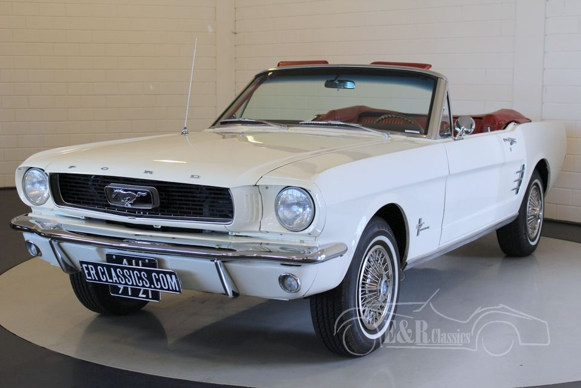 ford mustang cabriolet 1966 vendre erclassics. Black Bedroom Furniture Sets. Home Design Ideas