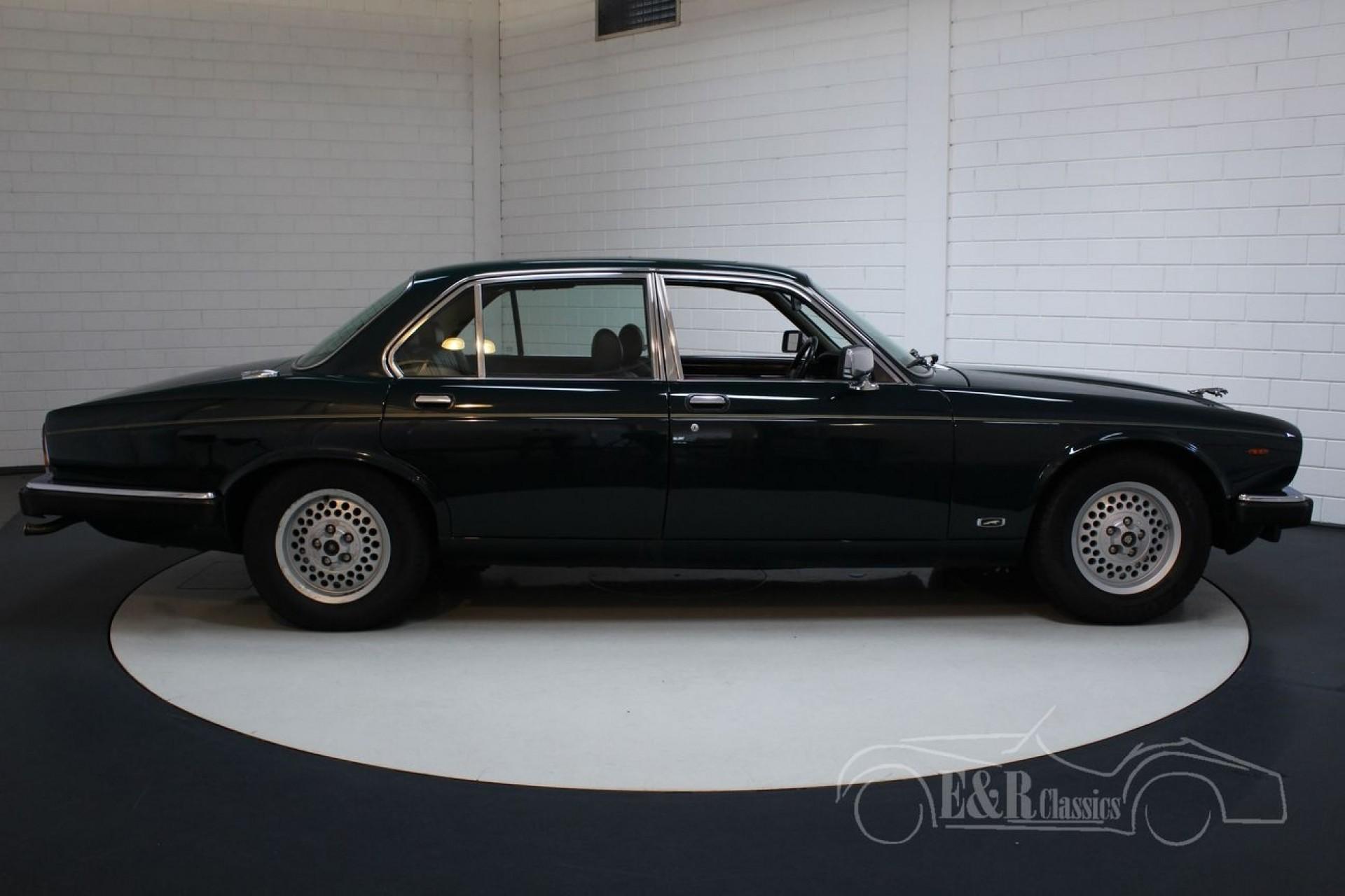 Jaguar XJ12 Series III 1991 British Racing Green for sale ...