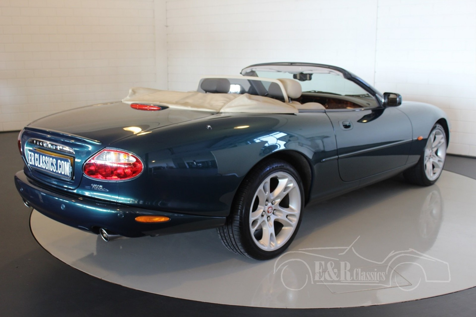 jaguar xkr 2002 vendre erclassics. Black Bedroom Furniture Sets. Home Design Ideas