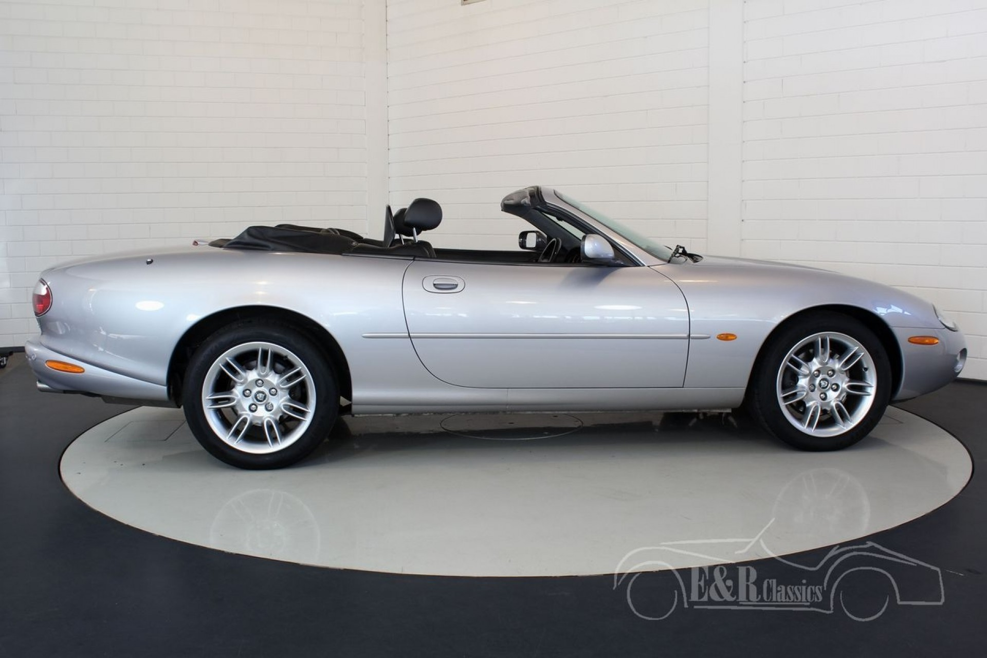 jaguar xk8 cabriolet 2003 vendre erclassics. Black Bedroom Furniture Sets. Home Design Ideas