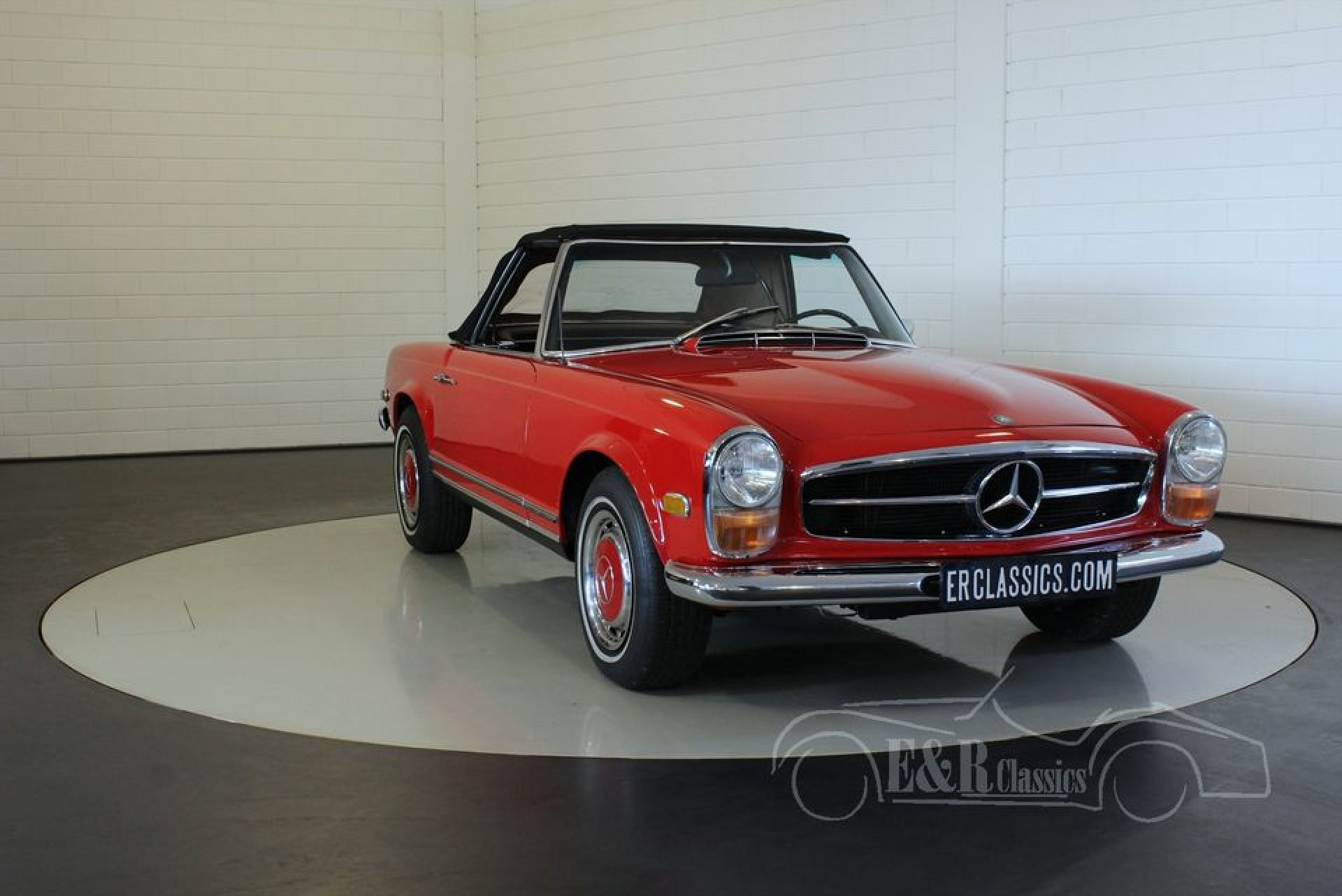 mercedes benz 280sl pagode 1968 vendre erclassics. Black Bedroom Furniture Sets. Home Design Ideas