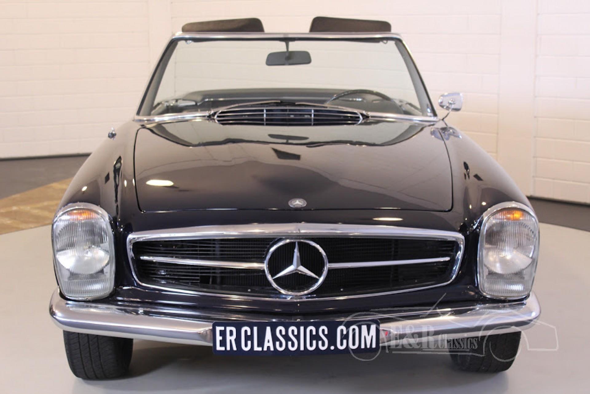 Mercedes benz voitures anciennes de collection a e r for Mercedes benz collection