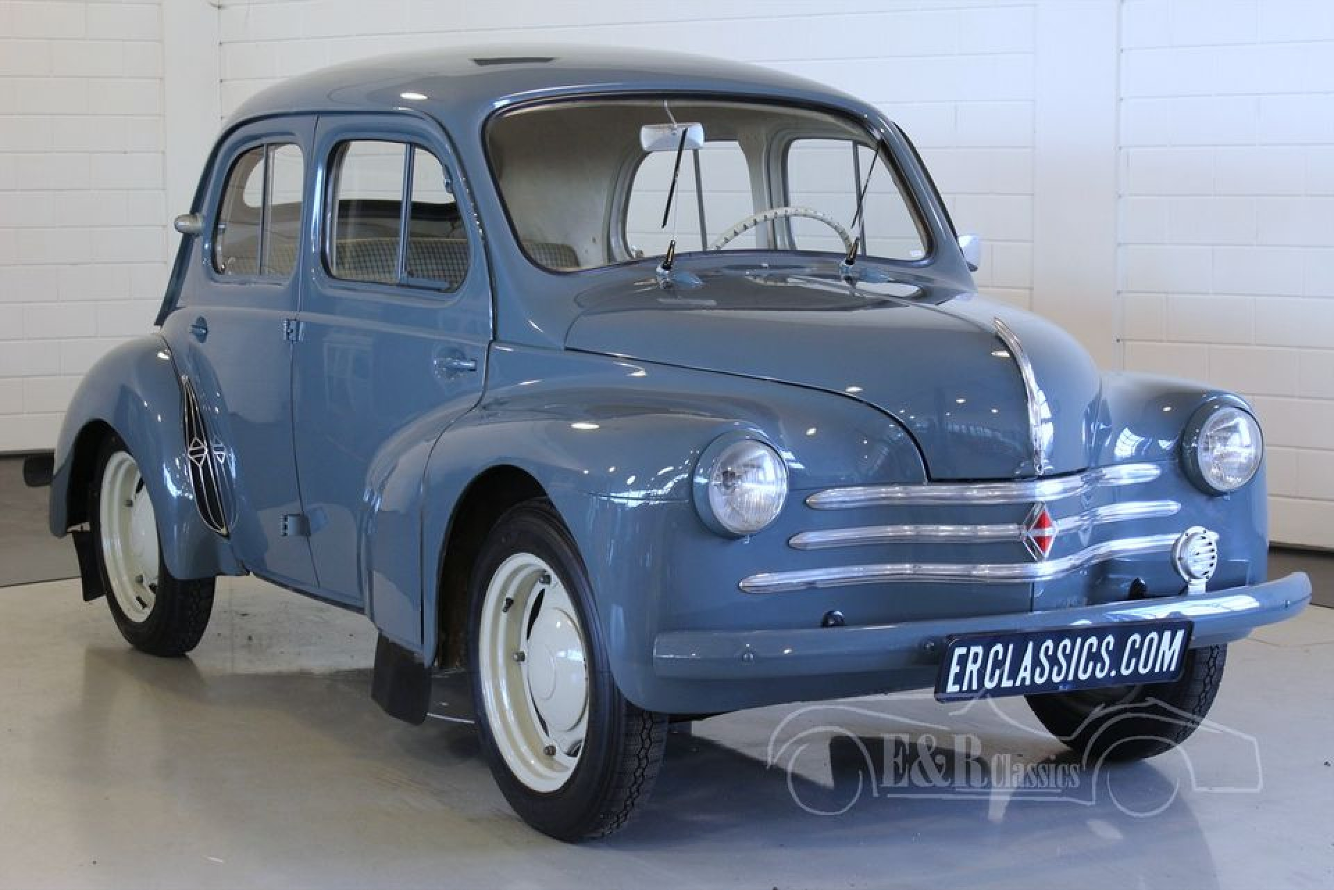 renault 4cv 1956 vendre erclassics. Black Bedroom Furniture Sets. Home Design Ideas